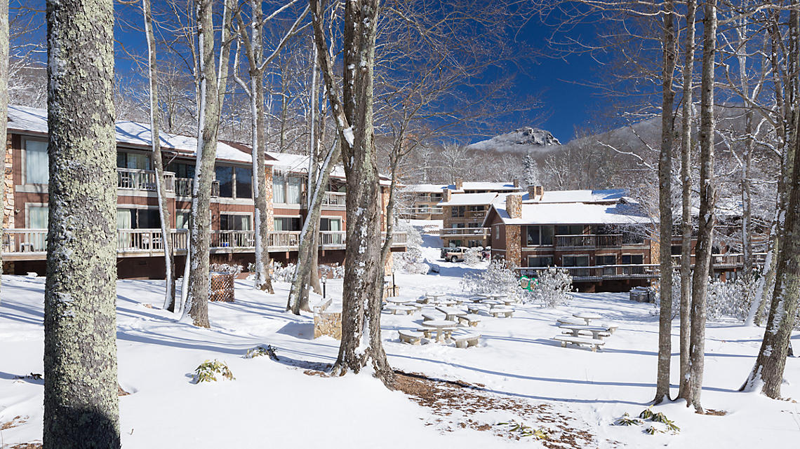 Blue Ridge Village Villas Exterior in Winter