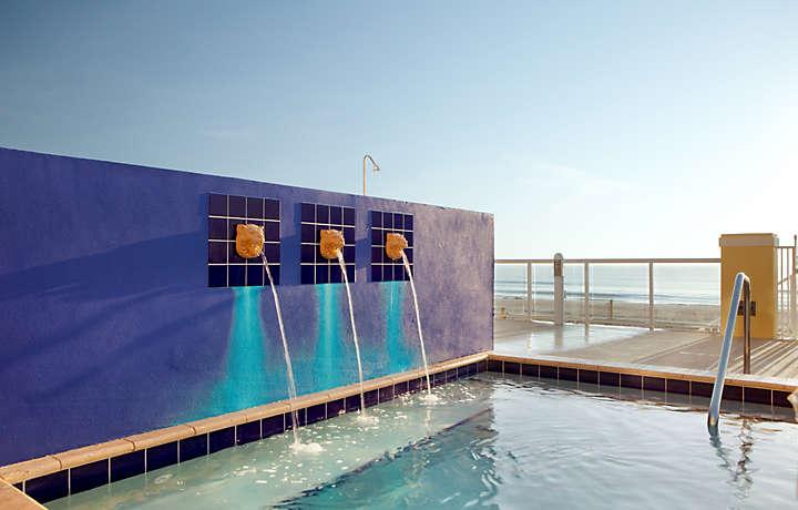 Casa Del Mar Beach Resort - Pool Fountain