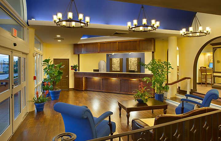 Casa Del Mar Beach Resort - Lobby