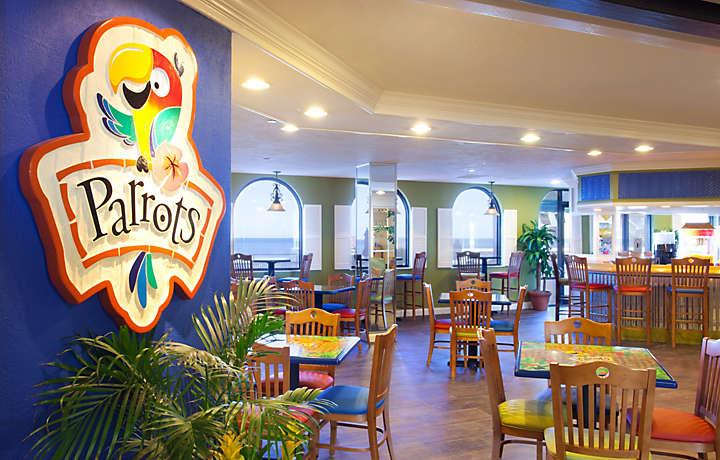 Casa Del Mar Beach Resort - Parrots Restaurant