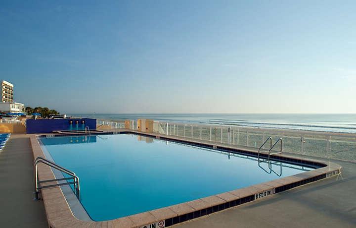 Casa Del Mar Beach Resort - Pool