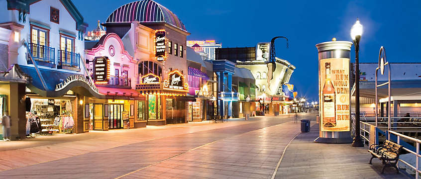 Atlantic City, New Jersey boardwalk at night