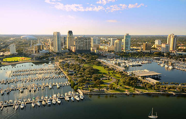 St pete a must see beach destination bluegreen vacations for Best places to live in florida for families