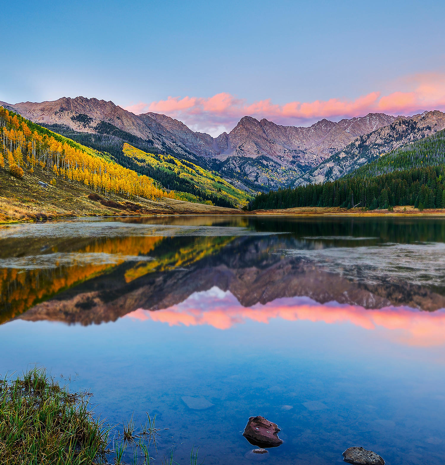 Colorful view of the Aspen Mountains