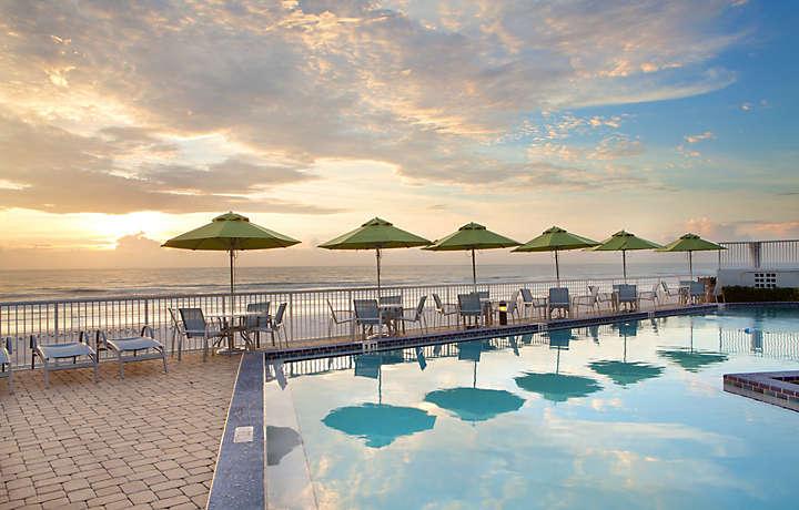 Daytona Seabreeze Resort Pool