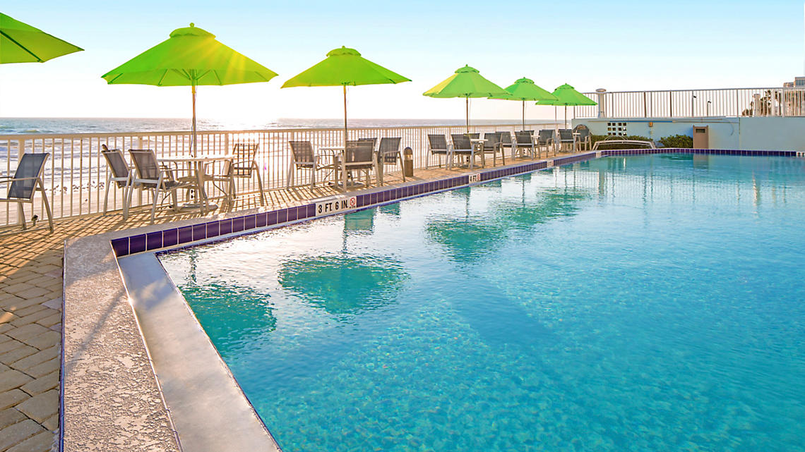 Daytona Seabreeze Outdoor Resort Pool