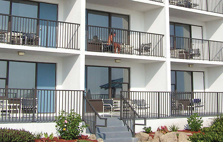 Vacation Villa Patios - Dolphin Beach Club