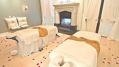Eilan Hotel Spa massage tables