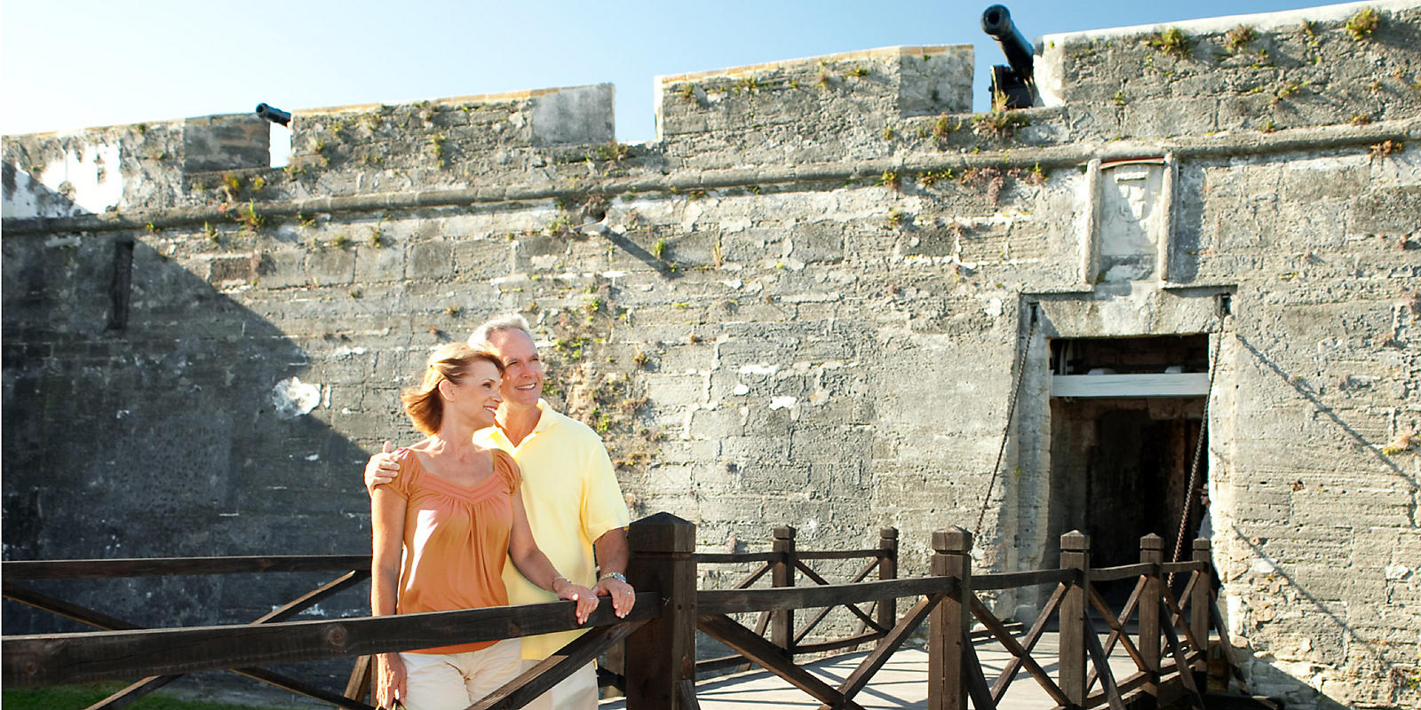 Couple  on bridge in Castillo de San Marcos