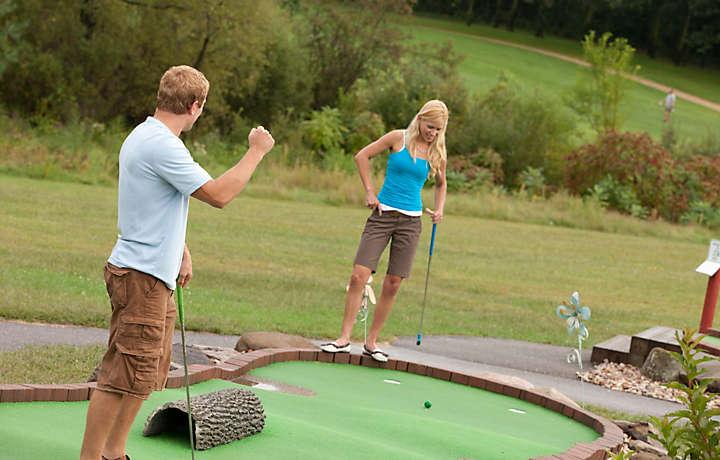 Mini Golf - Christmas Mountain Village™