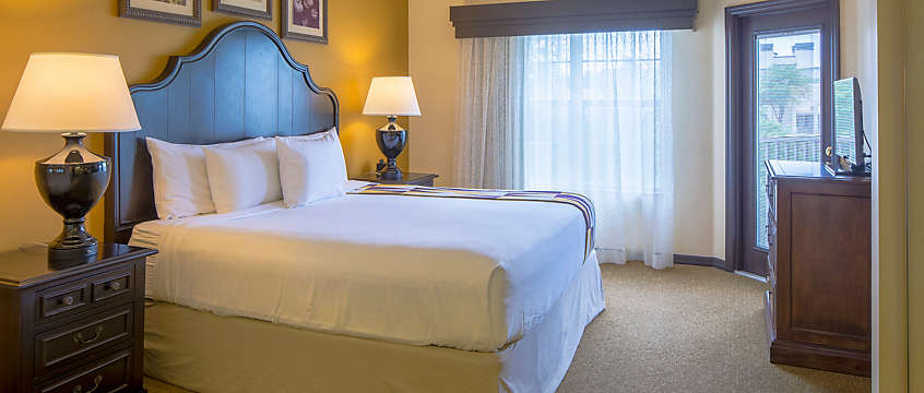 Grande Villas at World Golf Village® 1 Bed Deluxe Guestroom