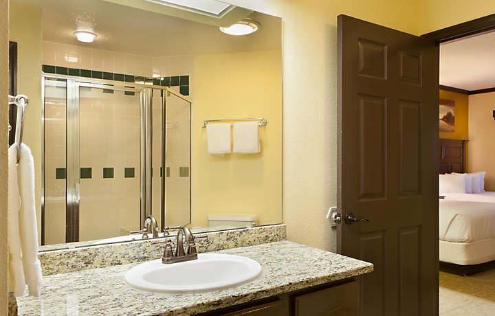 Grande Villas at World Golf Village® Master Bath