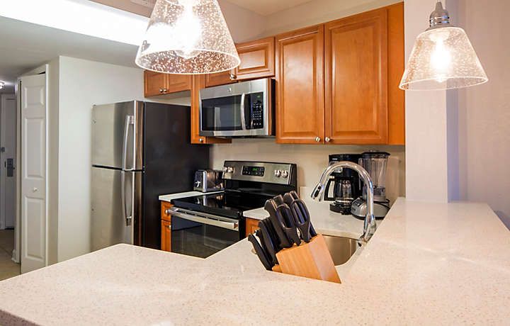 Horizons at 77th One Bedroom Villa Kitchen