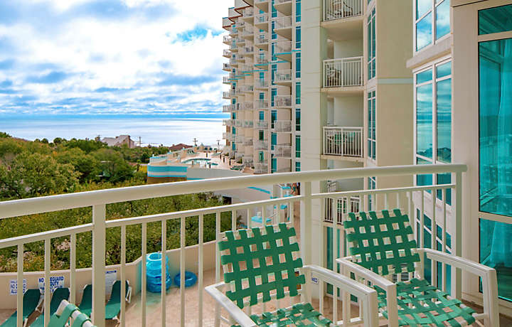 Horizons at 77th Three Bedroom Balcony View