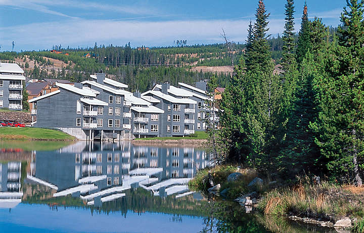 Bluegreen's Lake Condominiums at Big Sky