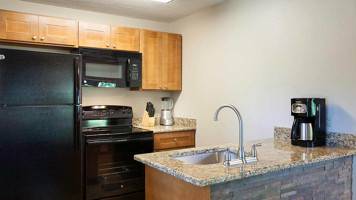 1 Bedroom Townhome Kitchen