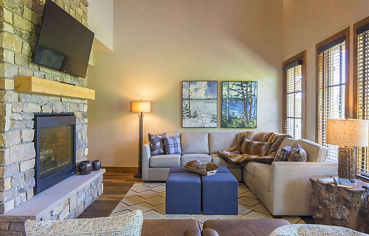 Mountain Run at Boyne™ Presidential Home Living Room