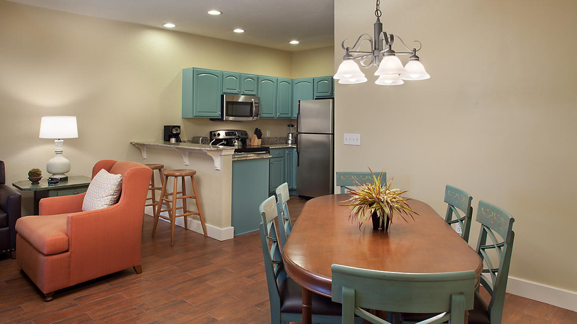 2 Bedroom Kitchen and Dining Area