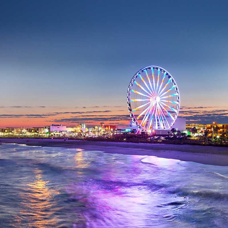 Myrtle Beach Ferris Wheel at dusk