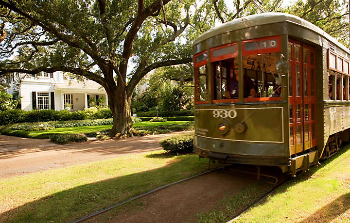 Trolley traveling through New Orleans