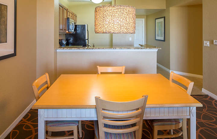 Orlando's Sunshine Resort™ Two Bedroom Villa Dining Area