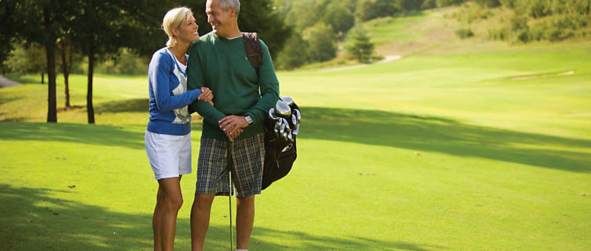 Golf vacation couple in Hollister, MO