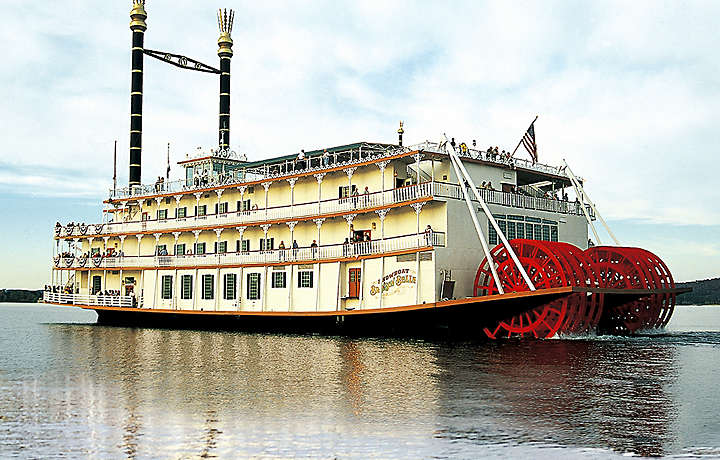 Branson Showboat for a Bluegreen Vacation