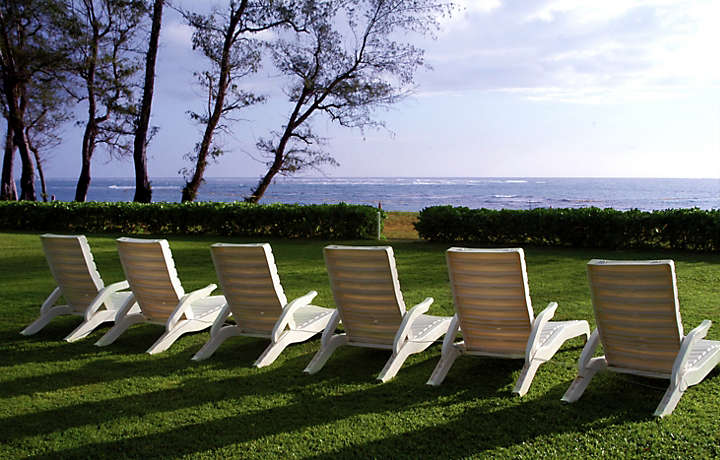 Oceanside Lawn Chairs - Pono Kai Resort