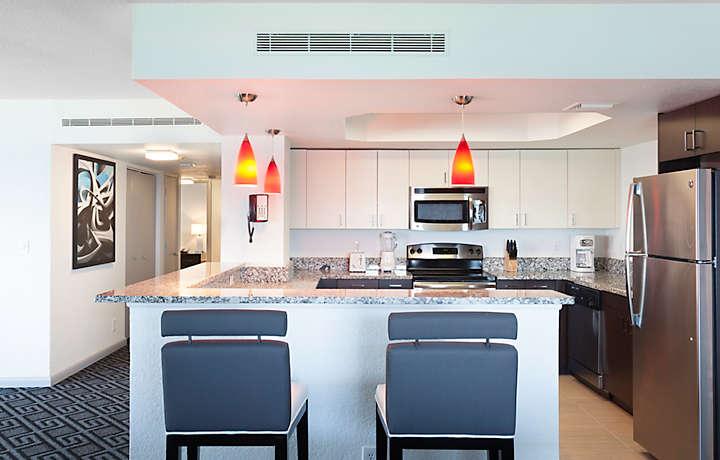 Deluxe Kitchen - Solara Surfside™