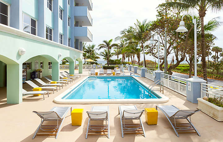 Luxury Beach-side Pool - Solara Surfside™