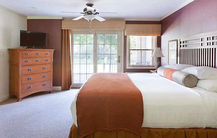 Master Bedroom Suite - South Mountain Resort