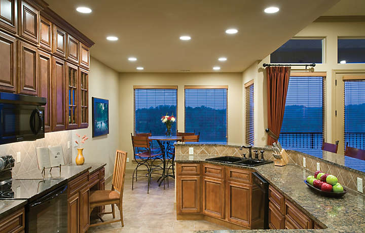 Kitchen and Dining Area - The Cliffs™ at Long Creek