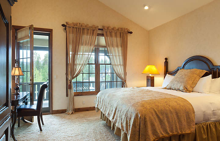 Master Bedroom - The Club at Big Bear Village