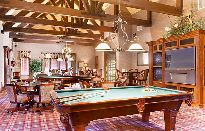 Billiard Room - The Club at Big Bear Village