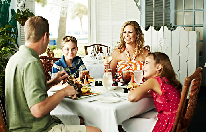 Family Dining - Bluegreen at TradeWinds