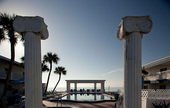 Mediterranean-style Pool - Via Roma Beach Resort