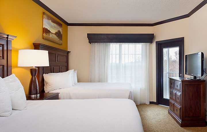 Grande Villas at World Golf Village® Two Bed Guestroom